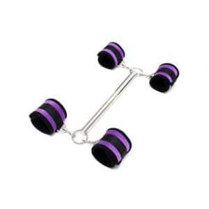 barra-separadora-con-esposas-purpura-tienda erótica(4)