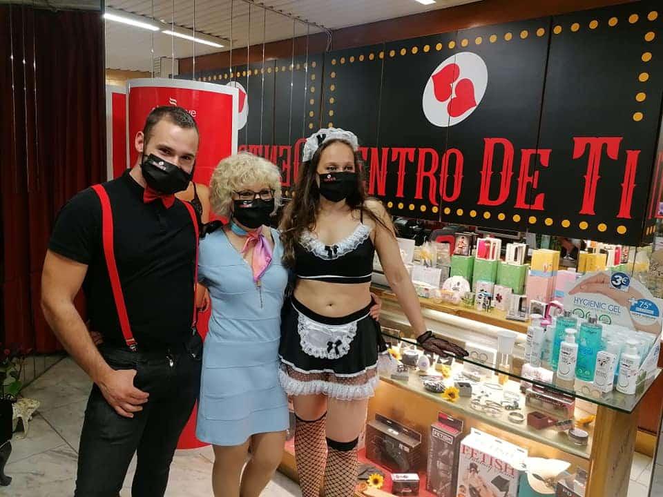 inauguracion expo fotos-tienda erótica(0)